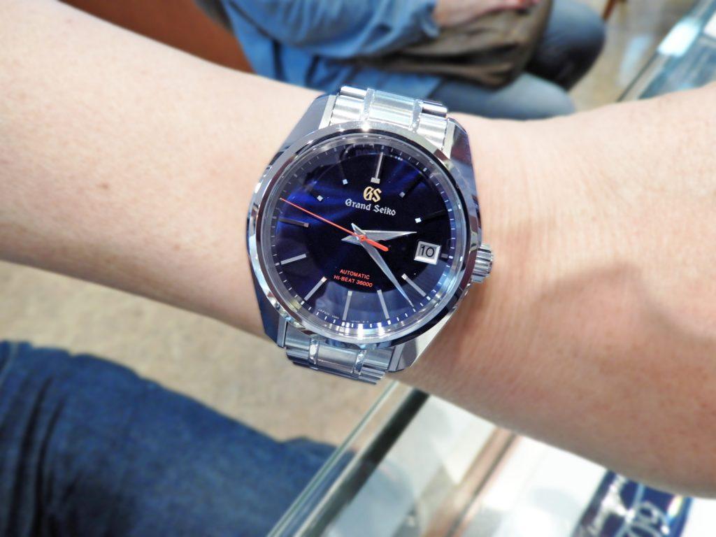 【お客様レポートno.253】日本の伝統色でありグランドセイコーのブランドカラーである紺色のダイヤルが印象的な数量限定モデルSBGH281